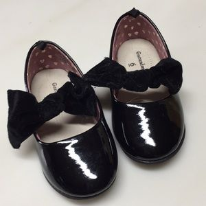 Black patent dress shoe Sz 6